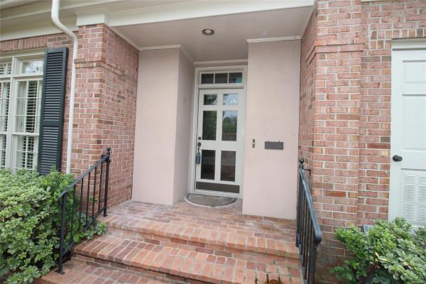 2201  ROSEMONT Terrace