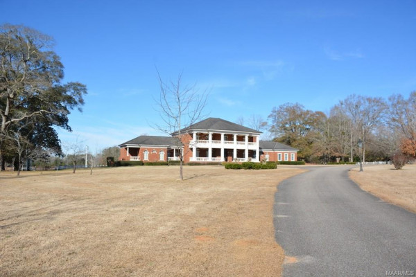 1819  COUNTY ROAD 15 .