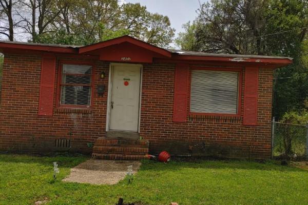 3407  Homeview Street