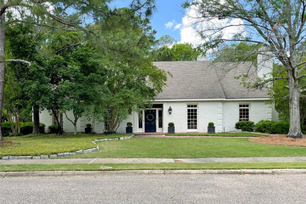 1824  WENTWORTH Drive