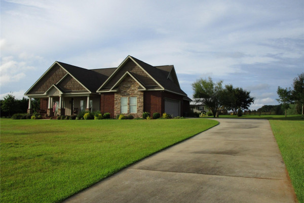 1502  County Road 610 .